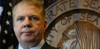 Seattle Mayor Ed Murray Accused Of Sexually Abusing Teen Boy In 1980s