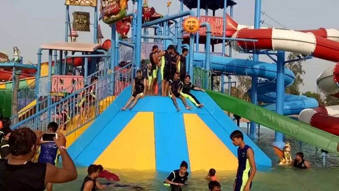 Amazing Water Park Of Kanpur Invites Tourists Of All Ages To Spend Fun Time!