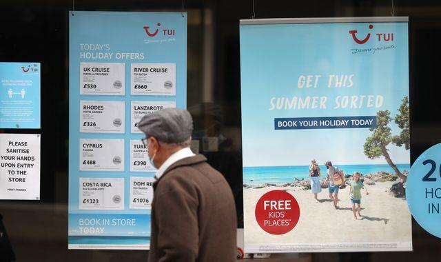 Minister defends 'cautious' holidays restart amid industry criticism (Report)