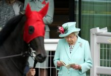 Queen appears delighted with performance of horse at Royal Ascot (Photo)