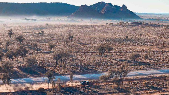 Spectator killed after crash at remote desert race in Australia (report)