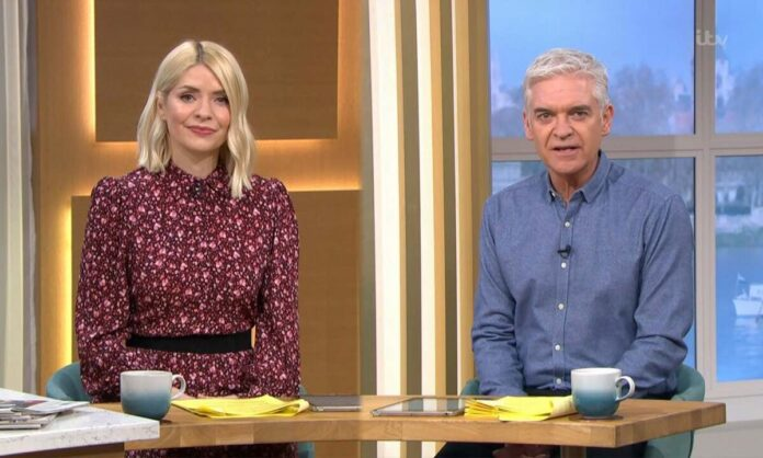 Holly Willoughby and Phillip Schofield announce change to ITV This Morning rule