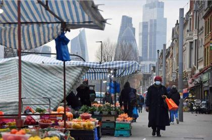 UK Inflation Rate Jumps to Record 3,2%